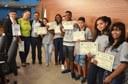 Adolescentes do Parlamento Mirim recebem certificados de participação