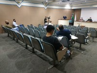 Em reunião com vereadores, Secretária de Saúde promete mais leitos para o Covid-9
