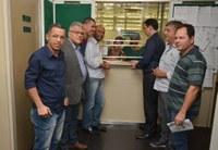 Vereadores recebem projeto que possibilita a reabertura do Hospital Municipal